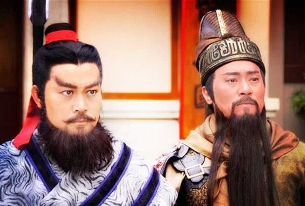 刘璋昏庸无能,刘备战胜刘璋是必然的事情看刘璋的手腕就知道了