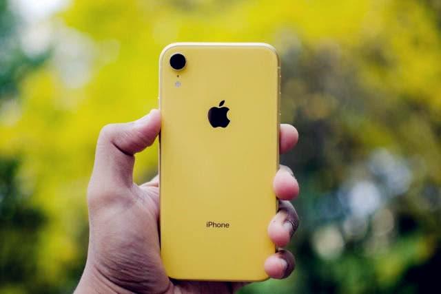 iPhoneXR价格再次跳水,跌了一台荣耀V20,真香了!