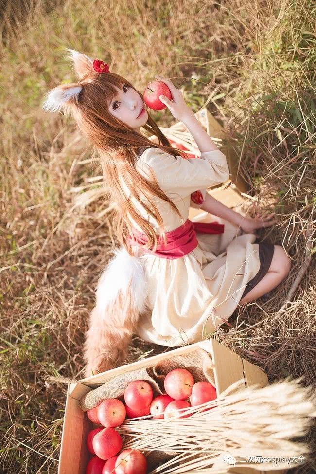 《狼与香辛料》赫萝cos,和煦自然,赫萝我也想要吃苹果