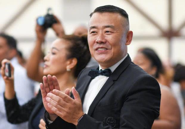 周立波乘胜追击,把自己比喻成中国慈善之父,声称他没有任何秘密