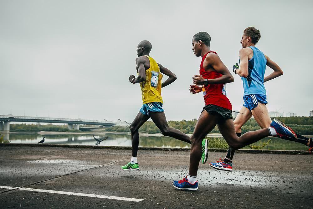 跑步技巧,提升你的跑步能力,马拉松跑者必做的5个爆发力训练