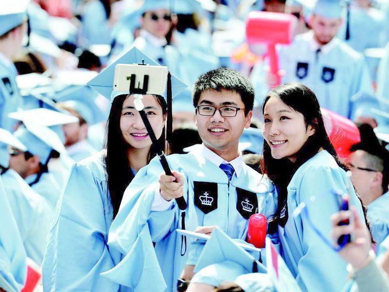 <b>每年8百万大学生毕业,还要重金引进人才,我们培养的人才去哪了</b>