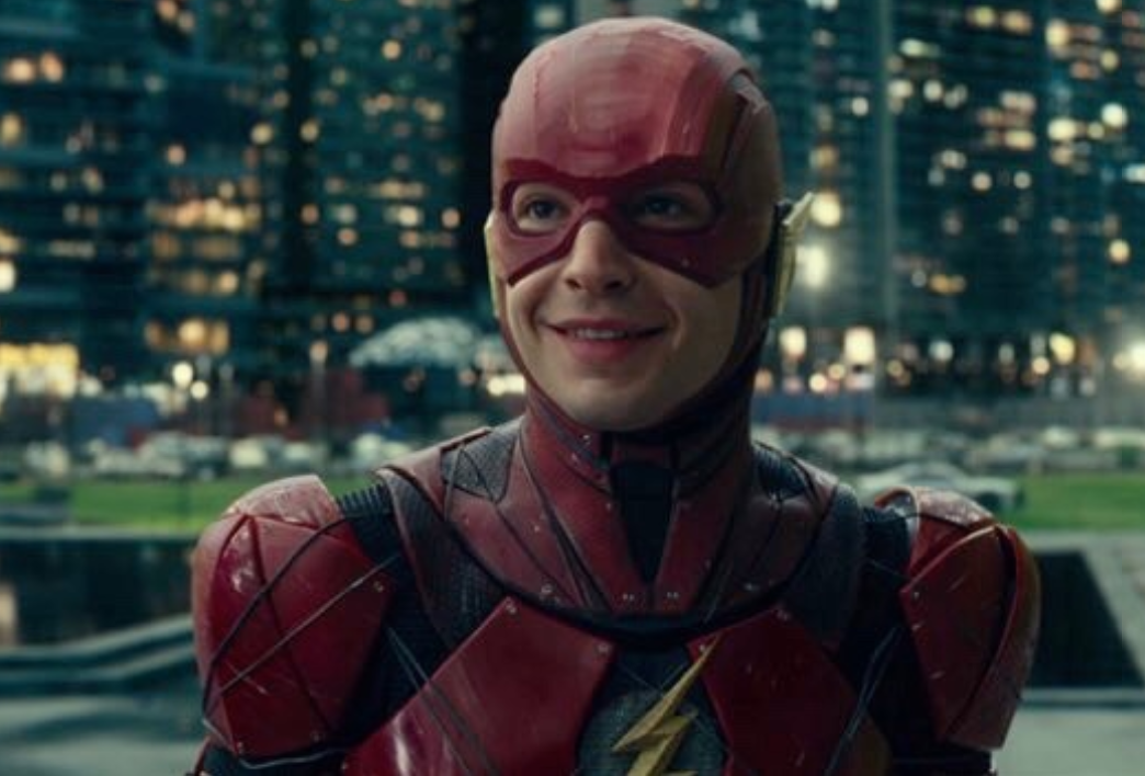 《闪电侠》确认由安德斯·穆斯切蒂执导,主角埃兹拉·米勒回归!