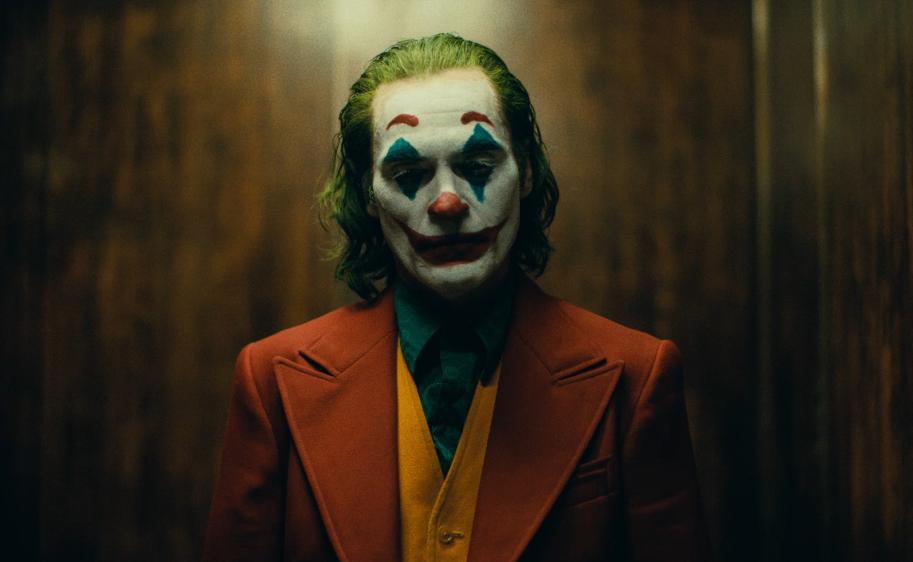 《小丑》只有他看透了哥谭,这座城市需要一场改变!