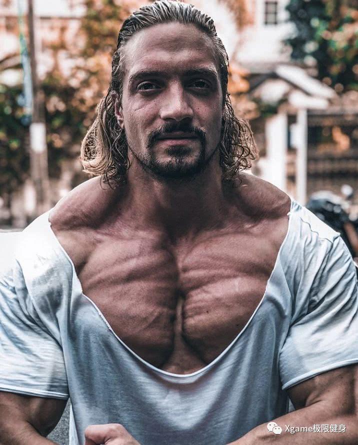 胸肌不够大?8种最给力的胸部训练请收下!