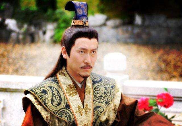 朱棣靖难获胜,他当皇帝的过程很折腾,最后群臣用这招让他登大位