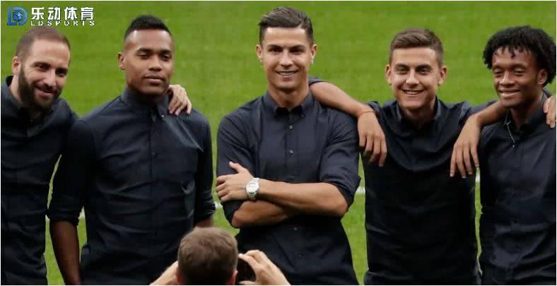 罗纳尔多的表现比梅西好!