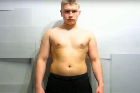 小伙健身刷脂90天,并记录身材变化,看他每10天的身材变化