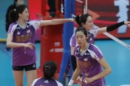 李盈莹浇灭北京夺冠欲望,主持人和解说嘉宾惹争议,球迷直接静音!