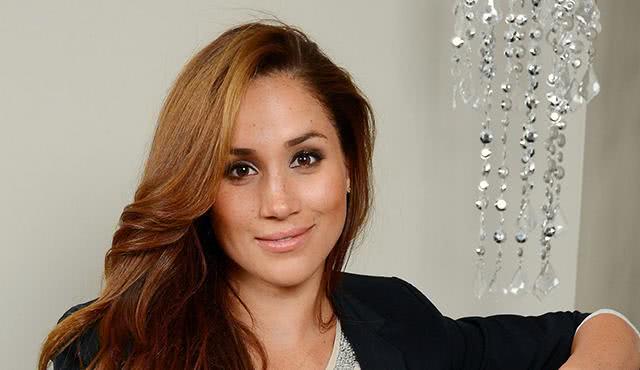 二婚、演员,她36岁嫁给哈里王子,37岁怀孕,却始终不能成为王妃