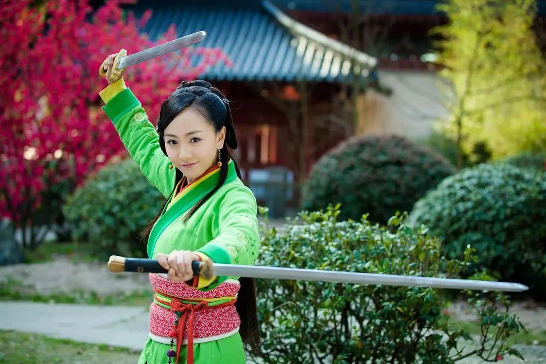 <b>林平之那么爱岳灵珊,为何不先得到她,再自宫练剑?</b>