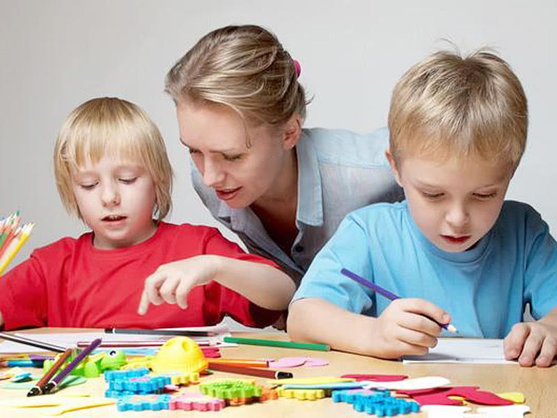 """孩子耍""""小聪明""""时,父母不应该夸奖,因为学习和成功没有捷径"""