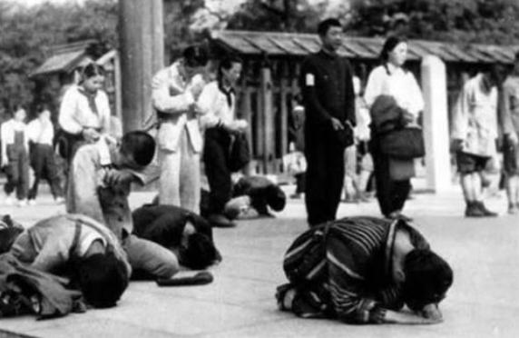 日本投降后,美国将军问天皇:你为何不切腹?天皇淡淡说出4个字