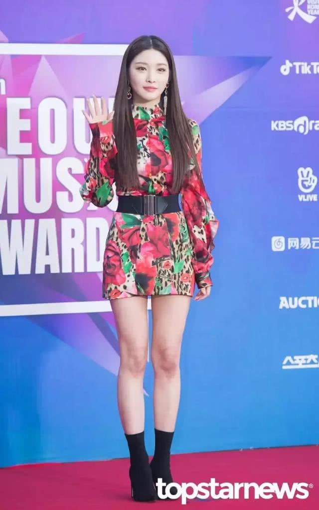 韩娱圈小公司女偶像的心酸!明明拥有好成绩却在颁奖典礼被冷落