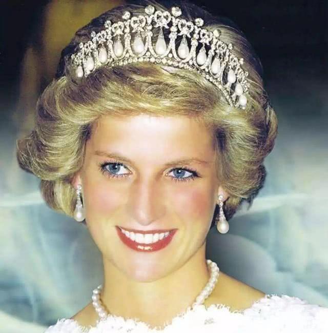 英国戴安娜王妃早年照片,每一张都触动人的心弦