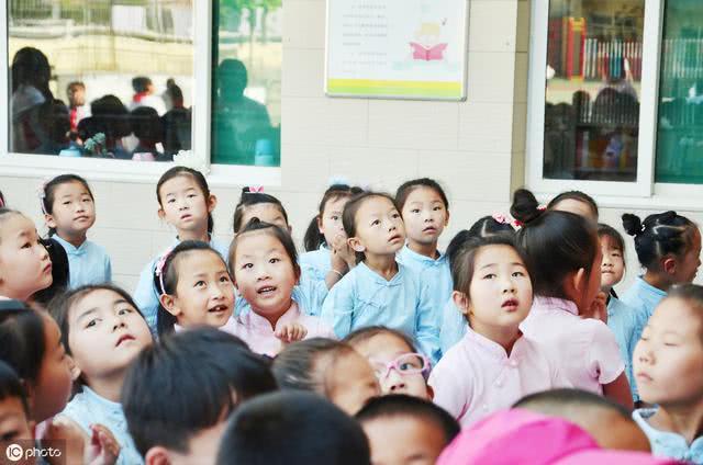 孩子在幼儿园就要学好拼音、认字和算术吗?
