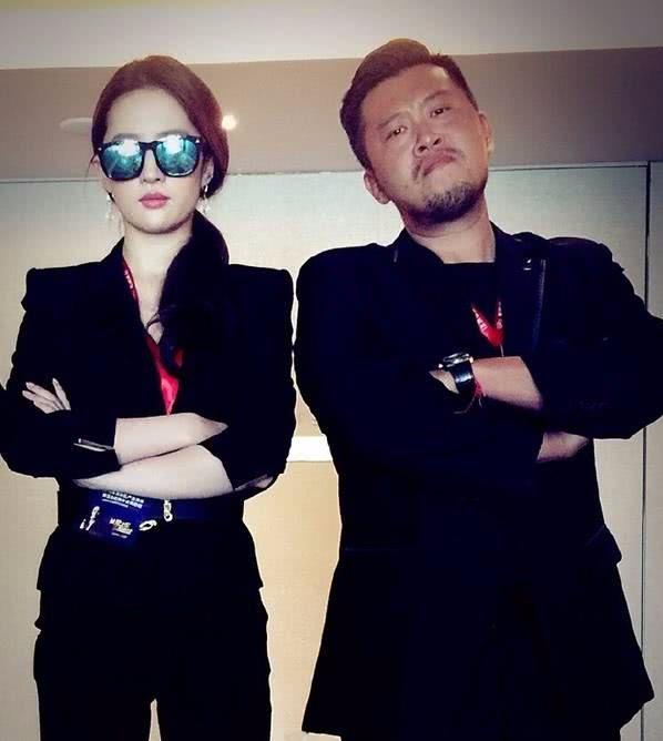 他是刘亦菲的私人保镖,却让半个娱乐圈的女星,都主动跟他合影