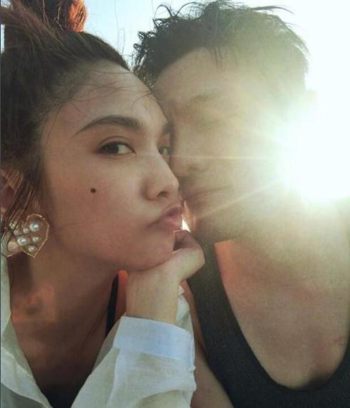 求婚20天后,杨丞琳李荣浩合体现身民宅,一细节或表明好事不远