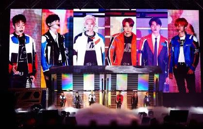 EXO演唱会惊现小朋友,是NCT的预备成员?肯定要写观后感