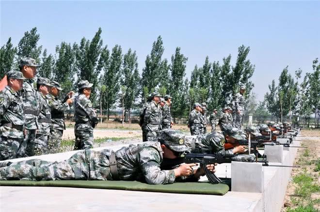 为何我军射击训练后,一定要回收子弹壳?难道是因为我军太穷?