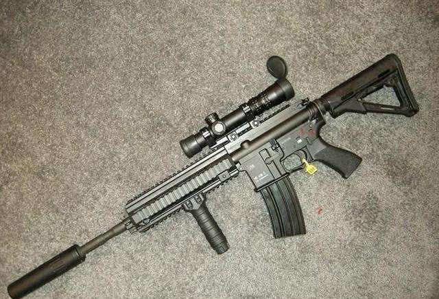 和平精英:M416落伍了,AKM淘汰了,现在用它吃鸡率更高!