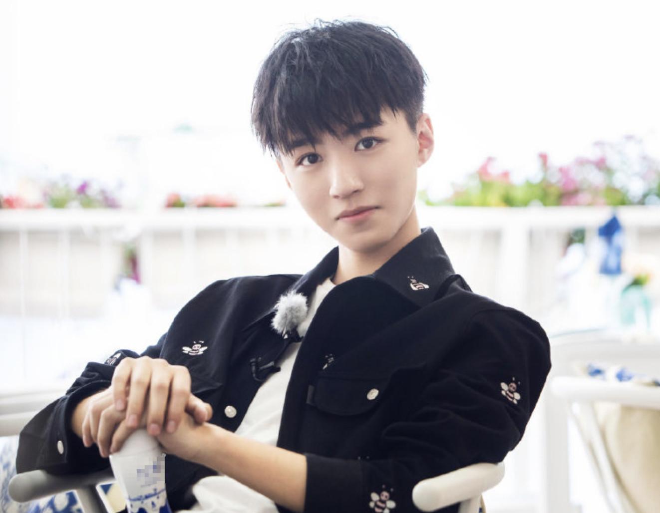 《中餐厅3》杨紫说王俊凯头发油,小凯对她也不客气,粉丝放心了