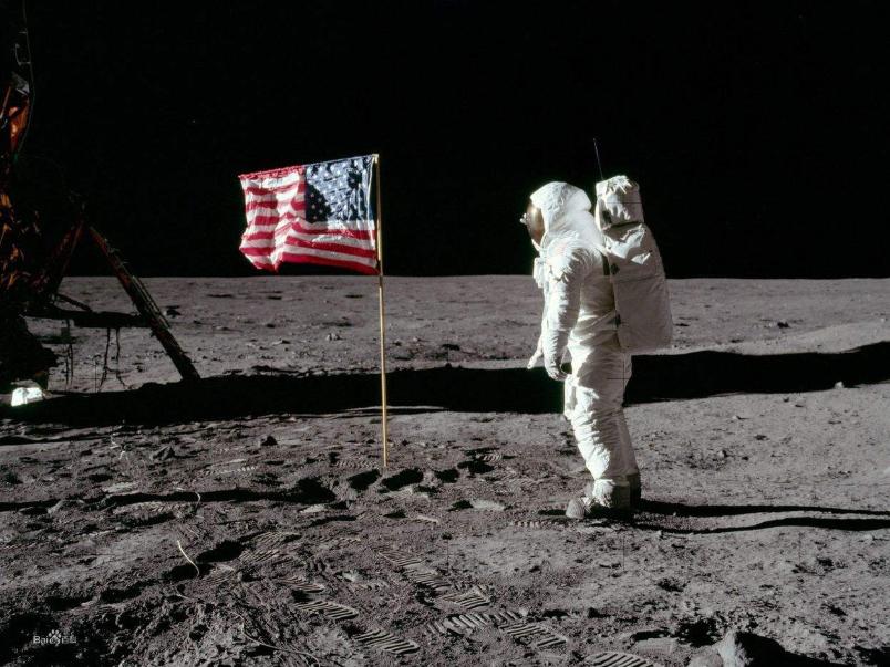 50年过去了,美国当年插在月球上的国旗还在吗?答案令人意外