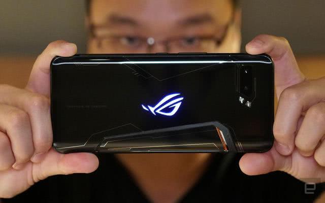 """败家之眼最强游戏手机开售:因3499元""""白菜价""""被一抢而空!"""