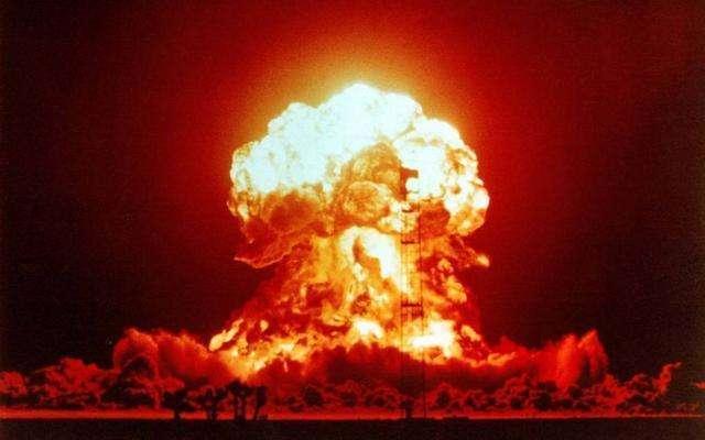 爱因斯坦朋友实验发生爆炸,他却惊喜万分,意外发现原子核能量