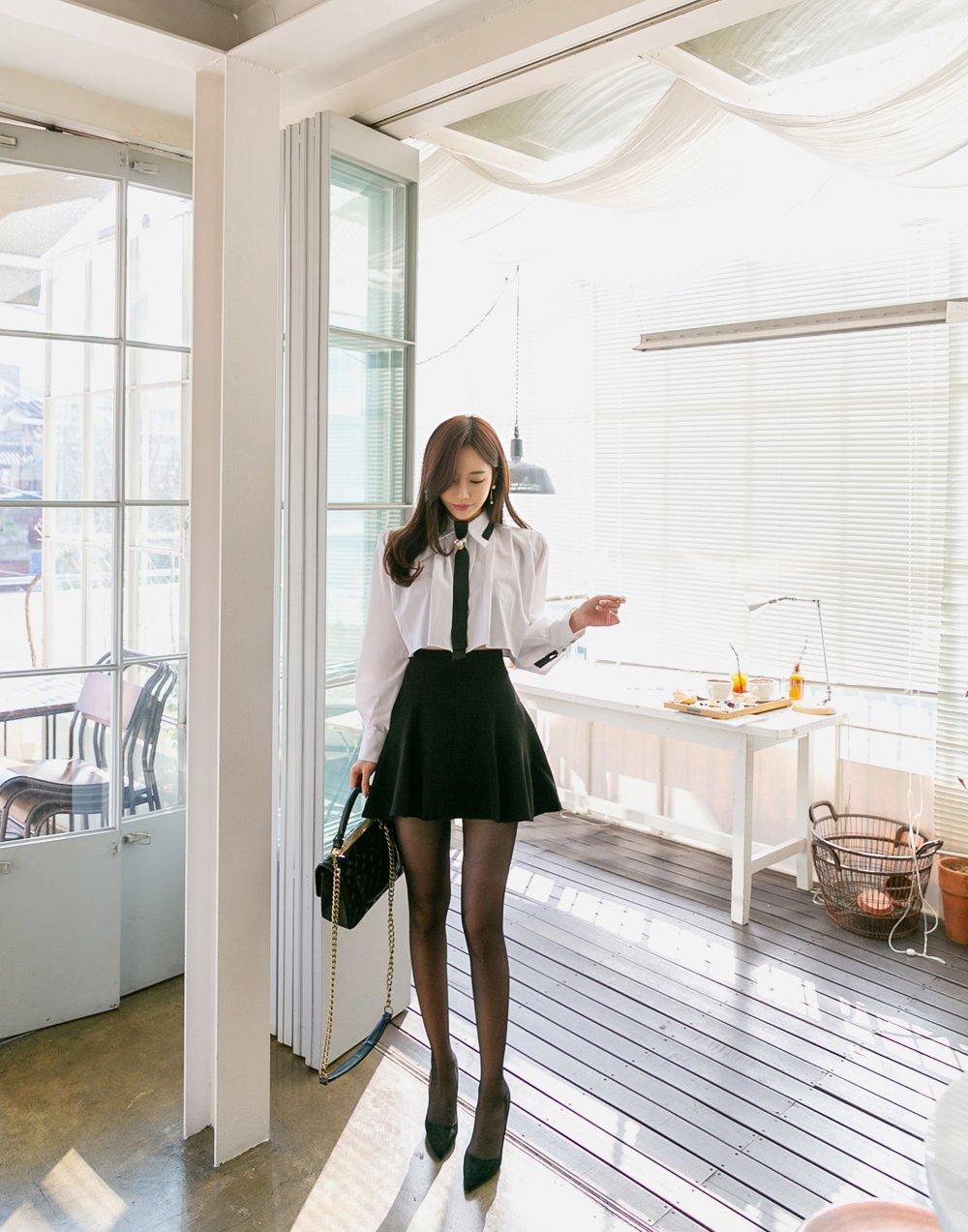 裙秀风姿 孙允珠:初恋学园乖甜小妖精百褶洋裙