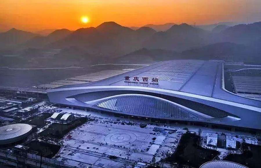 <b>我国西部地区最大的火车站,当地到香港只要7小时,你知道是哪吗</b>