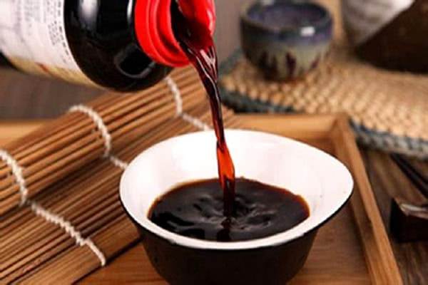 """<b>卖酱油却击败了所有地产商,市值超万科,把酱油酿出""""茅台味""""</b>"""