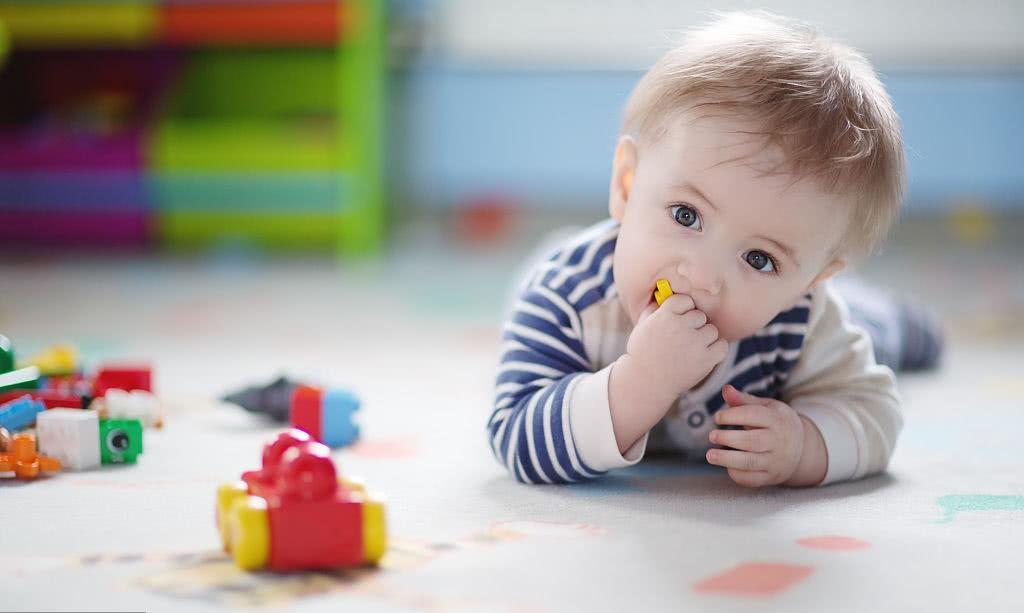 宝爸育儿:新生宝宝的尿布选择很重要,千万不要因小失大!