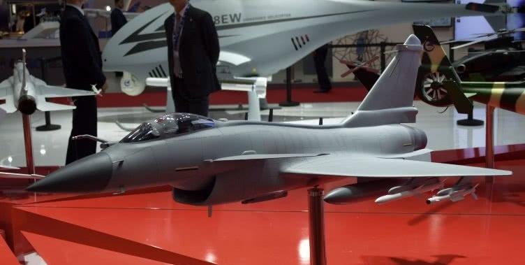 歼10战机物美价廉,12个国家感兴趣,伊朗或成为首个买家