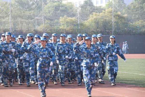 湖南工商大学举行2019级新生军训成果汇报大会