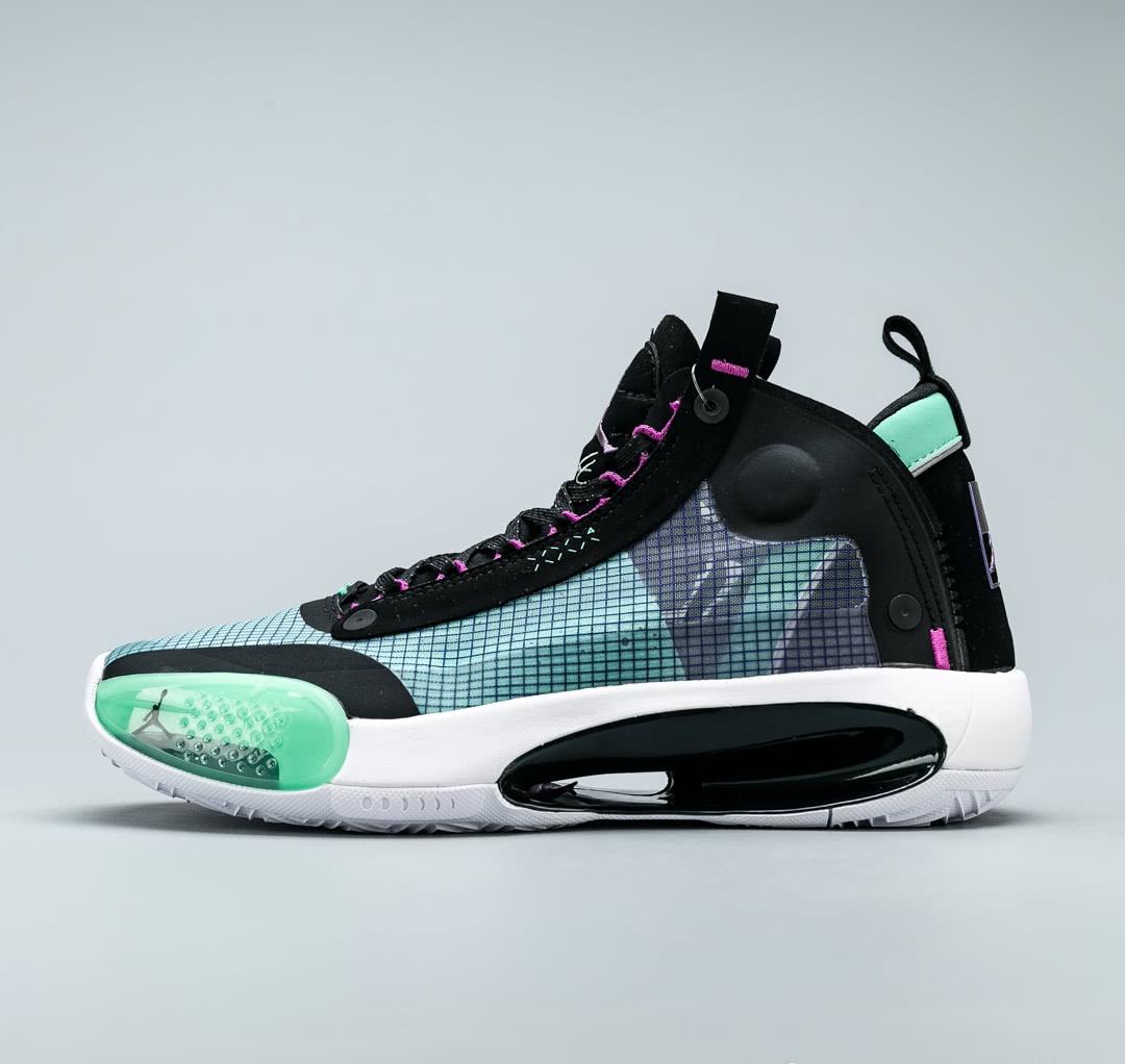<b>AJ34颠覆以往的设计概念,真正实战篮球鞋 非潮流文化鞋 开箱测评!</b>