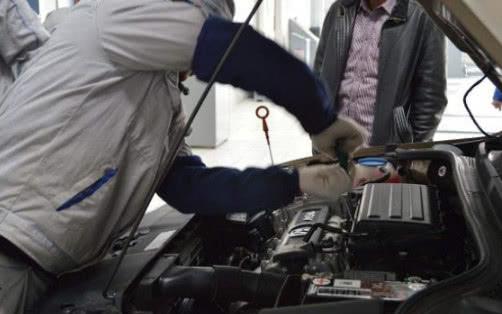 """发动机保养只换机油可不行,记住""""2换2检"""",5年老车也能变新"""