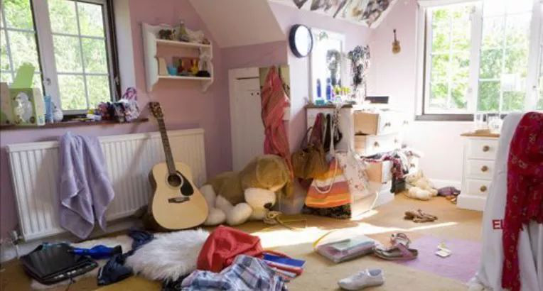 孩子不喜欢打扫房间?家长可巧用这3种方法,培养孩子的自理能力