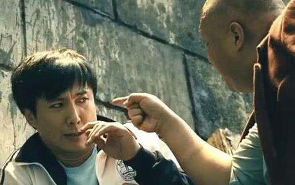 还记得《夏洛特烦恼》大流氓陈凯吗得知他的年龄,网友:长得真着急