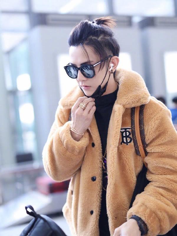冬天也要活力满满!汪东城穿运动装炫酷时髦,出道多年颜值不减