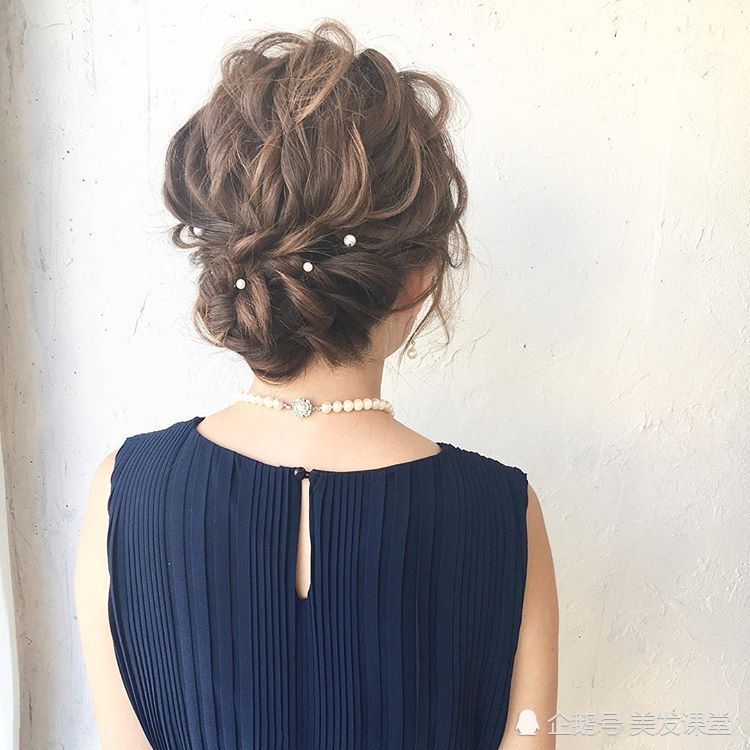 <b>优雅编发,带来九款时尚的女生编发发型,喜欢的妹子不要错过了</b>