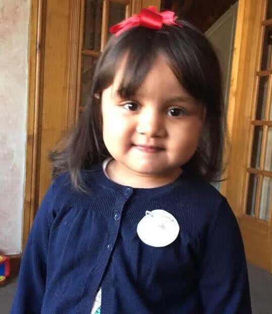 医院建议关闭5岁女孩的生命支持,其家人想要转院他们却不放人