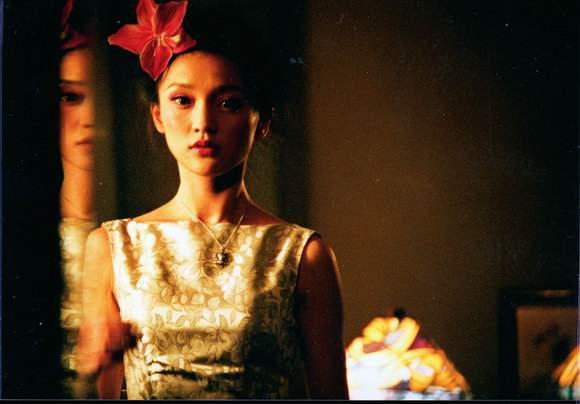 周迅出演《古墓荒斋》时只有17岁,网友:这才是真的美人在骨