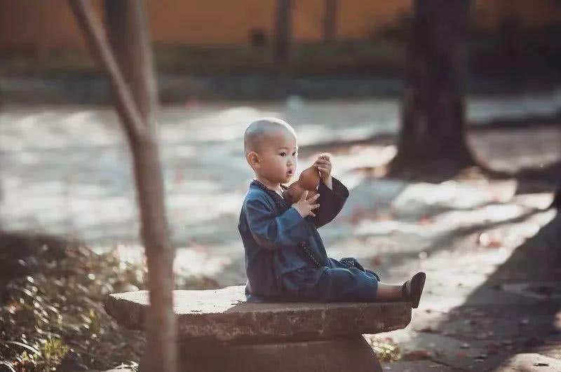 做个自律的人,尊重人生的不易,尊重生命的厚爱