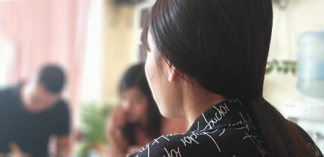 越南女孩为2万元彩礼嫁中国男子,在发现丈夫家太穷后退钱回国