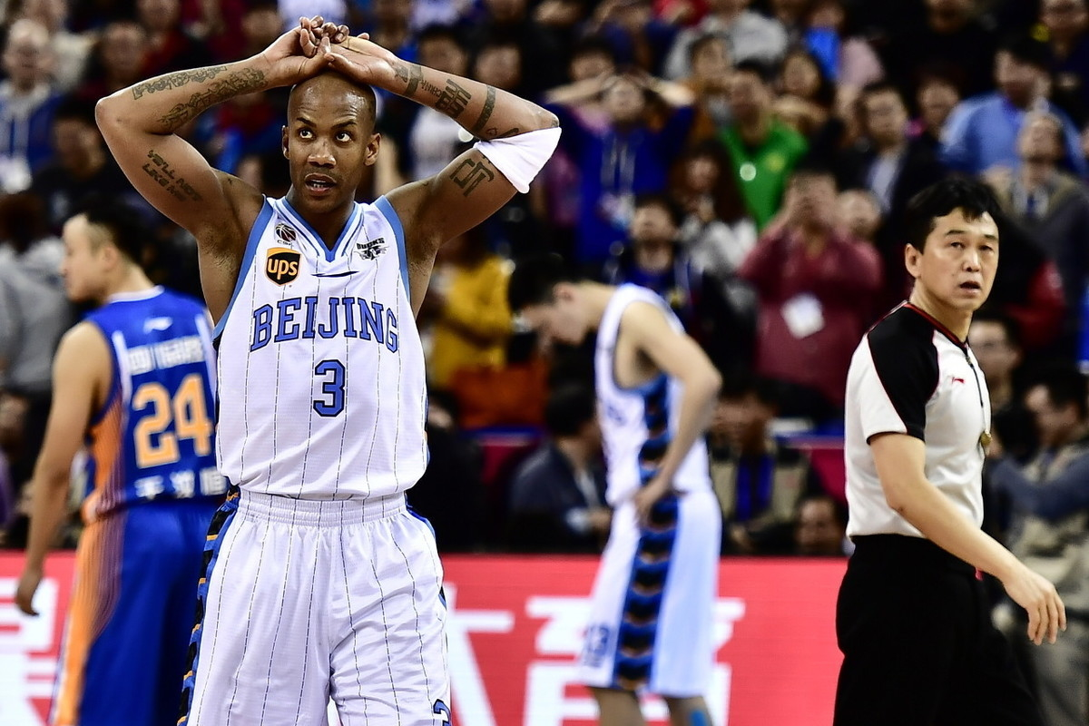 北京篮球10年回忆之2012:闵鹿雷说夺冠后第2赛季拿第3名挺知足的