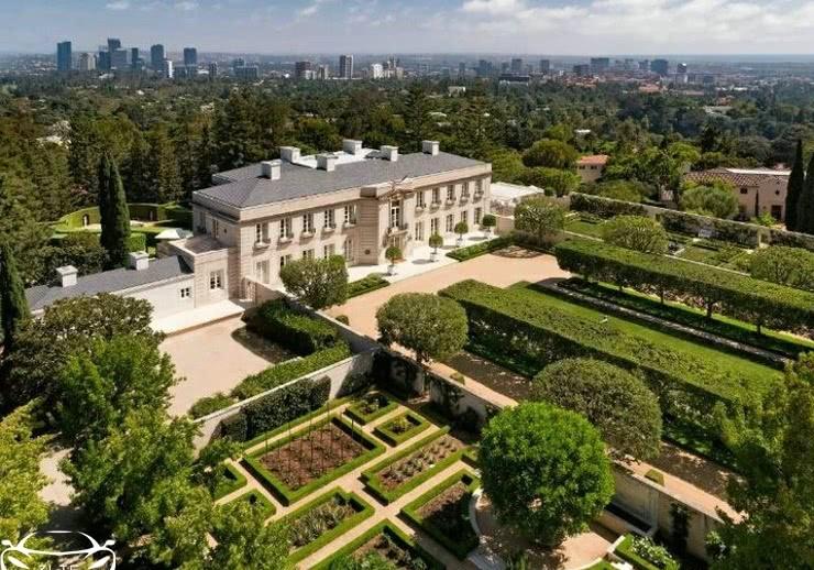 默多克的儿子1.5亿美金买豪宅,这么有钱的富二代,座驾是什么