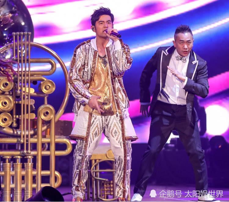 5位开演唱会最牛的歌手,王菲门票2万一张,榜首巡演净赚十几亿