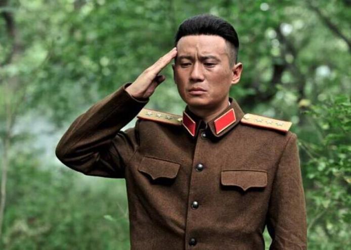 这位开国上将被称为常胜将军,每战必亲临前线,获得三位元帅夸赞