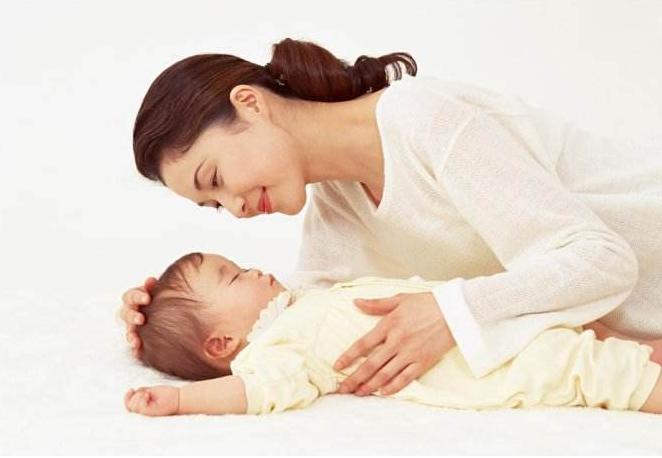如果宝宝认出妈妈的时间,早于这个月,可能是宝宝聪明的表现